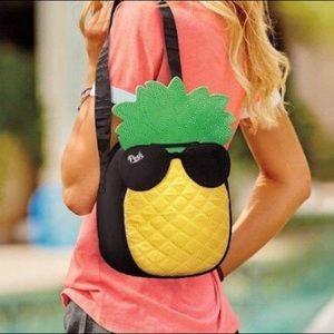 PINK Victoria's Secret Bags - Victoria's Secret insulated cooler tote bag